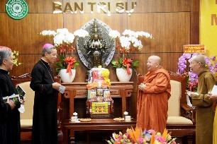 Phái đoàn tòa TGM Sài Gòn chúc mừng Phật Đản (5.5.2020)