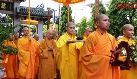 HT.Thích Trí Quảng thăm Phật giáo Huế