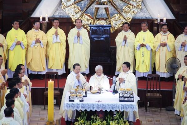 Thánh lễ tạ ơn mừng 20 năm Giám mục của Đức cha Giuse Trần Xuân Tiếu