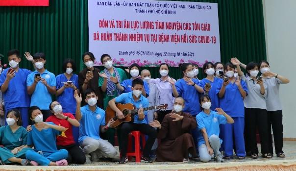 34 tình nguyện viên tôn giáo kết thúc 90 ngày phục vụ tại tuyến đầu