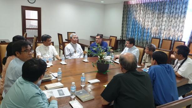 Cha Tổng quyền Dòng Scalabrini thăm Văn phòng Hội đồng Giám mục Việt Nam
