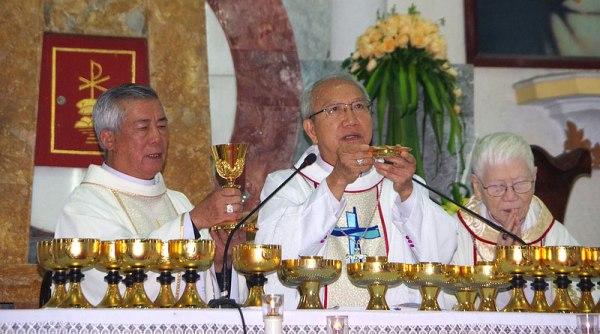 Đức cha Phaolô Nguyễn Thái Hợp dâng Thánh lễ tạ ơn