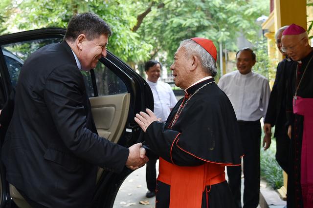 ĐH Y Tổng trưởng Bộ Tu Sĩ đến thăm Tổng Giáo phận Hà Nội