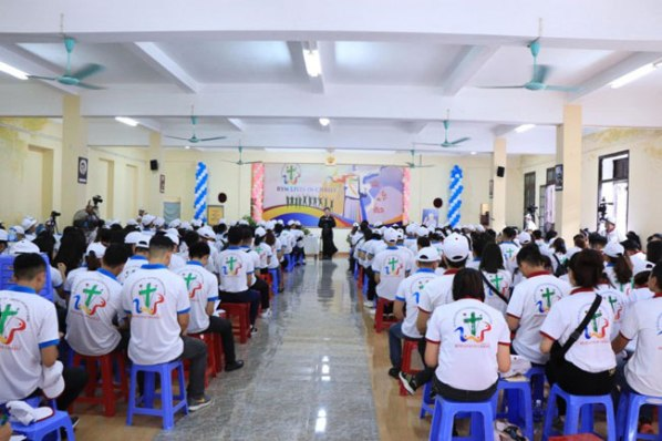 Khai mạc Hội ngộ Giới trẻ thừa sai Chúa Cứu Thế Việt Nam lần thứ nhất tại TGP Huế