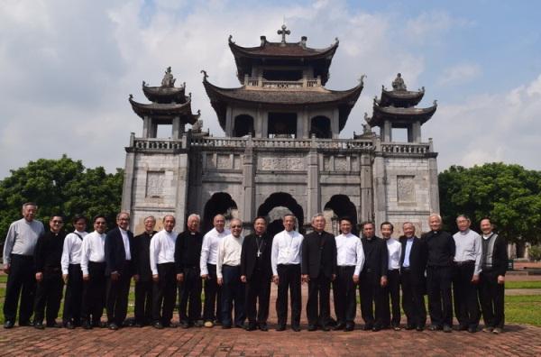 Đức Tân TGM Giuse Nguyễn Năng tiếp phái đoàn Tổng Giáo phận Sài Gòn- Tp. HCM