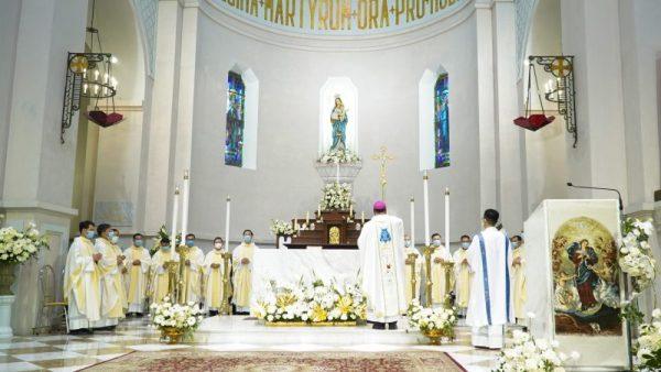 """Thánh lễ mừng tước hiệu """"Đức Mẹ Hà Nội"""" và làm phép Nhà Mục Vụ Thánh Ven Giáo xứ Cửa Bắc"""