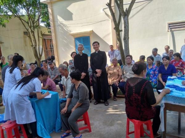 Truyền giáo Việt Nam hiện nay: Ánh sáng và bóng tối