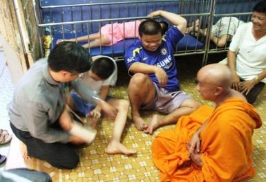 Sinh hoạt Liên Tôn: viếng thăm chùa Kỳ Quang 2
