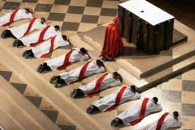 Cổ võ ơn gọi linh mục là một thách đố thường xuyên cho Giáo Hội