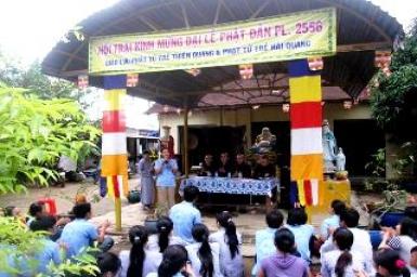 Hội trại giao lưu kính mừng Phật đản