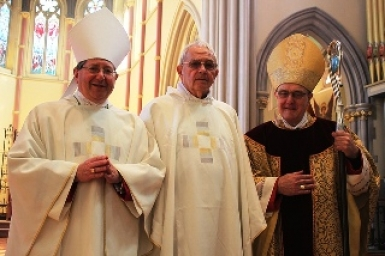Cựu giám mục Anh giáo trở thành linh mục Công giáo