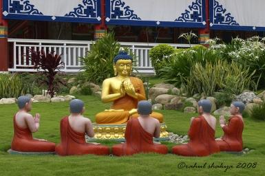 Phận làm con theo lời Phật dạy